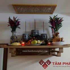 Mẫu bàn thờ treo thiết kế rất chắc chắn