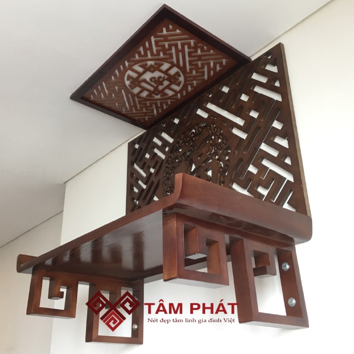 Bàn thờ treo gỗ Hương có rất nhiều ưu điểm vượt trội