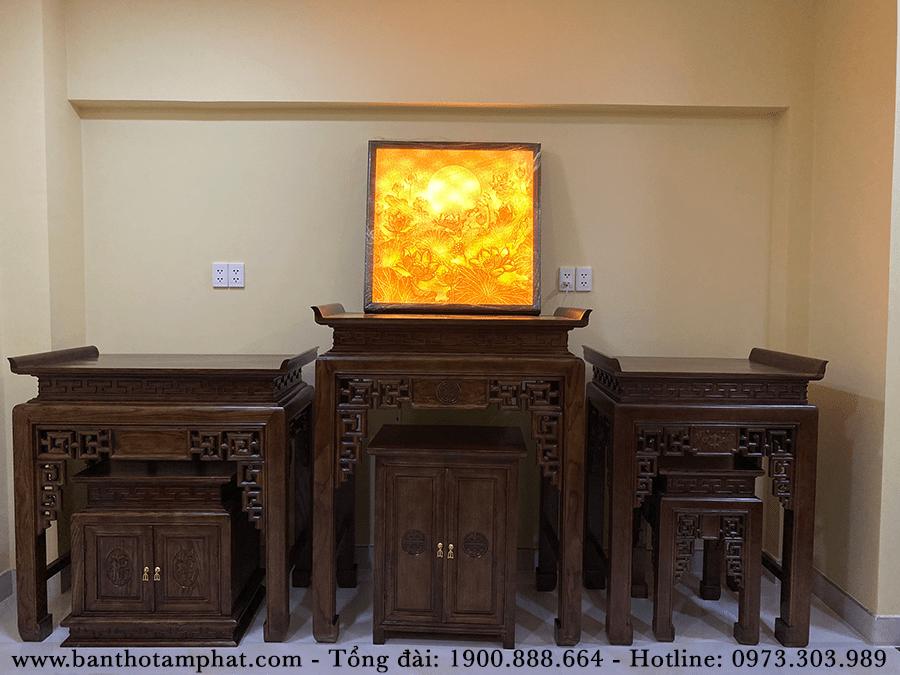 Phòng thờ trang trọng với 3 bàn thờ kết hợp