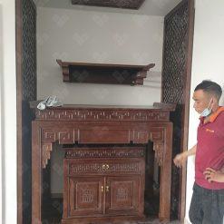 Bàn thờ Phật treo tường kết hợp với bàn thờ gia tiên tạo không gian thờ tự đẹp