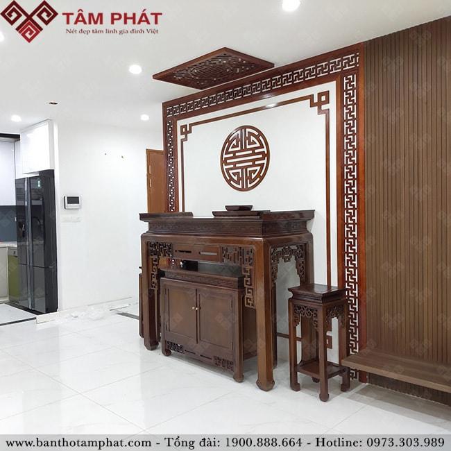 Bàn thờ gỗ Gụ Lào BT-1108 kết hợp vách ngăn và tấm chống ám khói