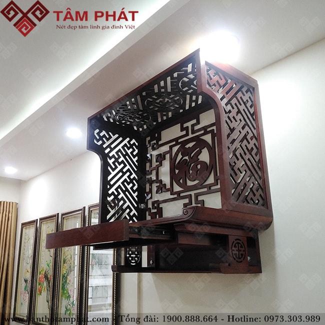Bàn thờ gỗ treo tường có ngăn kéo và vách ngăn