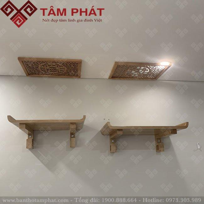Bàn thờ treo Tâm Phát được làm từ 100% gỗ tự nhiên cao cấp