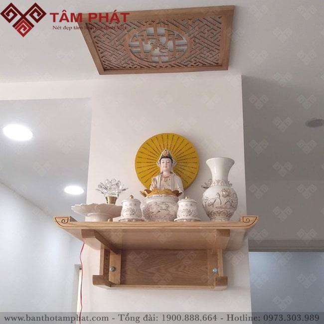 Có thể chọn bàn thờ Phật treo tường giúp tối ưu được không gian