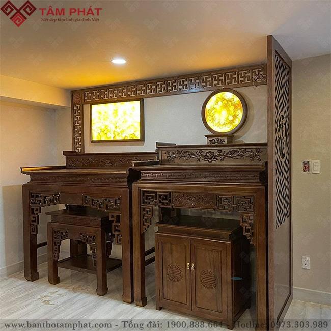 Phòng thờ kết hợp 2 bàn thờ Phật và thờ gia tiên