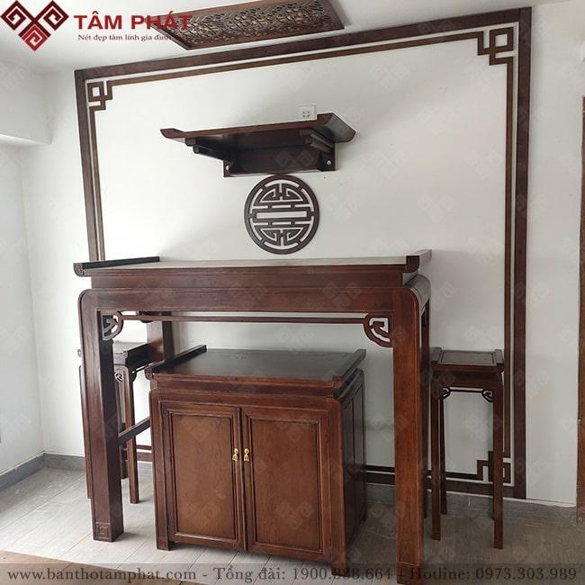 Phòng thờ Phật và thờ gia tiên trang nghiêm và thanh tịnh