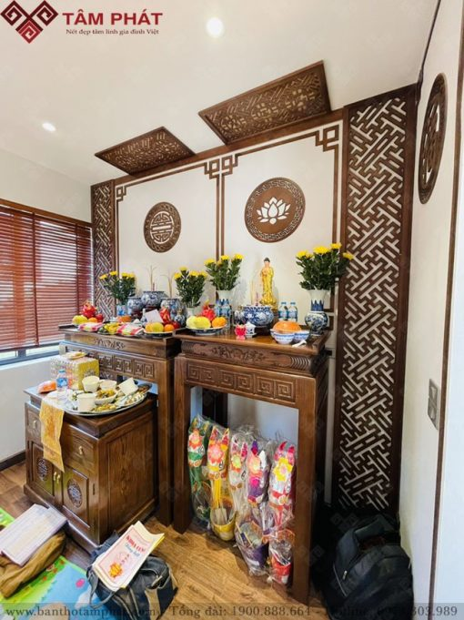 Phòng thờ Phật và gia tiên sử dụng mẫu bàn thờ BT-1131