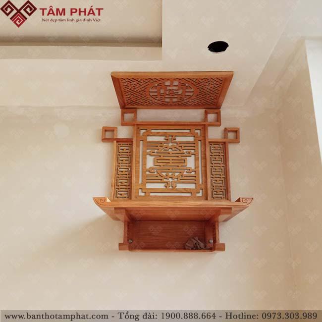 Bàn thờ treo tường gỗ hương sang trọng, tiết kiệm không gian