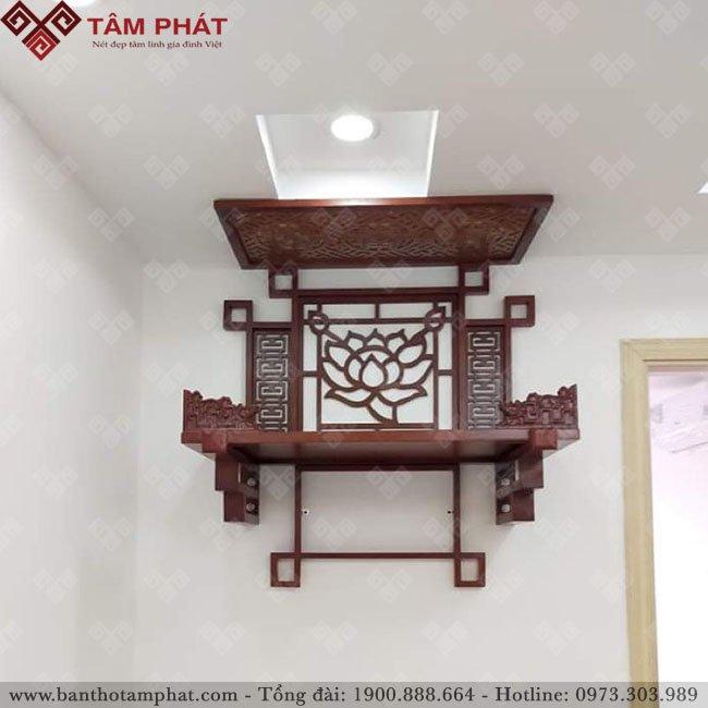Bàn thờ treo tường thờ Phật kết hợp ốp tường hoa sen