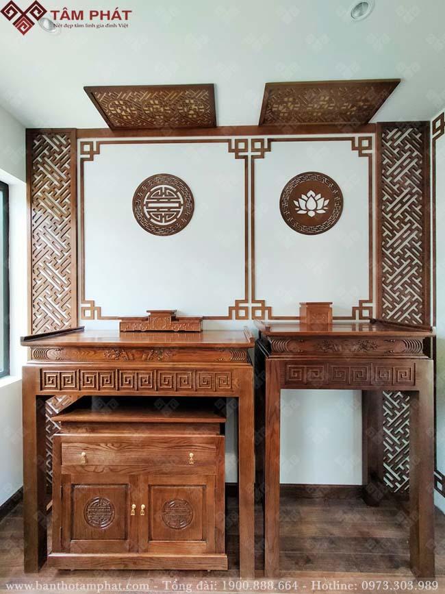 Phòng thờ sử dụng 2 bàn thờ Phật và thờ gia tiên riêng biệt